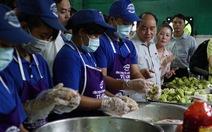 Thủ tướng thử cơm, ăn phở, uống cà phê Sài Gòn nóng trong ngày