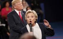 Chuyện lạ bầu cử Mỹ: ông Trump mất điểm, bà Hillary càng khó thắng
