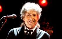 Văn đàn thế giới chia rẽ trước giải Nobel của Bob Dylan
