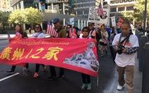 Bị cướp thường xuyên, người Hoa ở Mỹ xuống đường phản ứng