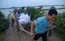 Hàng không nhận vận chuyển miễn phí hàng cứu trợ về miền Trung