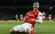 Arsenal thắng Ludogorets Razgrad bằng tỉ số quần vợt