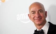 Lãnh đạo Amazon vươn lên giàu thứ 2 nước Mỹ
