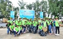Amway Việt Nam ra quân làm sạch bãi biển và trồng 600 cây xanh tại Cần Giờ