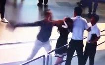 Cấm bay 12 tháng người đánh nữ nhân viên hàng không