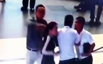 Xem xét cấm bay người đánh nữ nhân viên hàng không