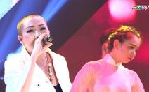 Xem Phương Thanh hát không dùng khăn che từ khi xuống tóc
