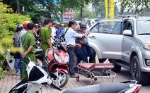Người nước ngoài đột tử trong ôtô ở Sài Gòn