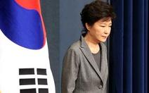 Tổng thống Hàn Quốc cúi mình xin lỗi dân sau vụ rò rỉ tài liệu