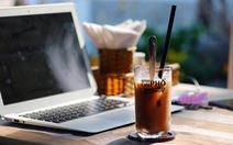 Vi vu trên chiếc honda, đi xa xa cùng hương vị cà phê