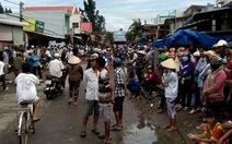 Tiểu thương Gành Hào mang quan tài diễu phố phản đối dời chợ