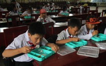 Cơm trưa miễn phí cho học sinh Tân Phú Đông