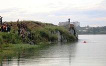 Nhóm công nhân rủ nhau tắm Hồ Đá, một người chết