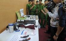 Bắt 4 nghi can bắn chết lễ tân nhà nghỉ, thu cả kho vũ khí