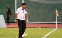 Cựu cầu thủ Cảng Sài Gòn đá bóng quyên góp giúp dân vùng lũ