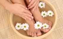 Ngâm chân giúp ngủ ngon