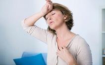 Phụ nữ trung niên với hội chứng tiền mãn kinh