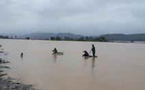 Nước sông Gianh lên cao, một người rơi xuống sông mất tích