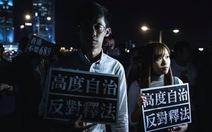 Hai nghị sĩ trẻ Hong Kong bị tòa án tước tư cách