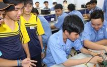 Giúp học sinhtiếp cận ngành nghề