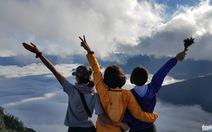 Lên đỉnh Lão Thẩn, thấy lòng mình như trôi trong mây