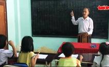Cụ ông 75 tuổi có 40 năm dạy học trò nghèo