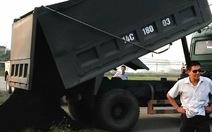Thanh tra giao thông bất lực để xe vi phạm tẩu thoát