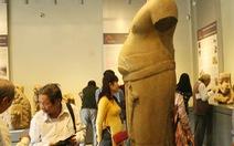 Trưng bày cổ vật Champa tại Bảo tàng cổ vật Cung đình Huế