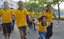 Gần 4.000 người đi bộ gây quỹ vì người nghèo