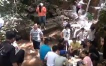 Suối Ô Đá thu hút khách đến tham quan