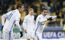 Dynamo Kiev vùi dập Besiktas, đưa Napoli và Benfica vào vòng knock-out