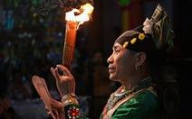 Xem ảnh hầu đồng của Nguyễn Á