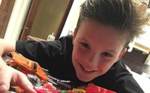 Beckham bị chỉ trích vì để con trai 11 tuổi bán đĩa nhạc