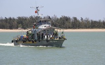 Cứu nạn 15 ngư dân trên tàu cá bị đâm chìm