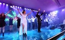 Clip vợ vũ công, chồng đầu bếp nhảy trong đám cưới gây sốt