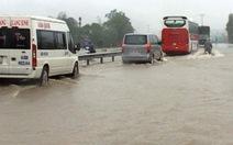 Quốc lộ 1 bị ngập nước