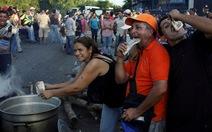 Venezuela: Tiền cũ không dùng, tiền mới chưa có