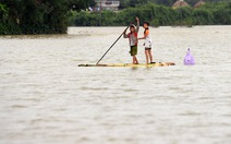 Cận cảnh người dân Bình Định khốn khổ trong nước lũ