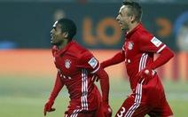 Douglas Costa đưa Bayern Munich trở lại ngôi đầu