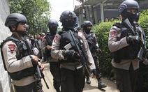 Cảnh sát Indonesia đấu súng, diệt 3 kẻ mưu đánh bom liều chết