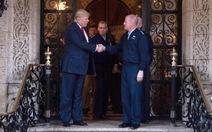 Ông Trump bắt đầu cắt giảm phí quân sự