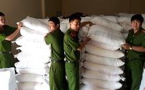 Bắt giữ 32 tấn đường nhập khẩu không giấy tờ