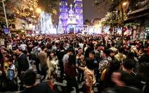 Biển người ở trung tâm Hà Nội, Sài Gòn đón Noel