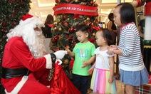Bạn trẻ Sài Gòn khóc cười cùng nghề đóng giả ông già Noel
