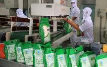 Gạo và trái cây hữu cơ ra chợ tết