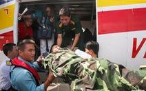 Tháo ghế máy bay quân sự, nhường chỗ cấp cứu quân nhân Trường Sa