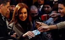 Cựu Tổng thống Argentina bị phong tỏa880 triệu USD