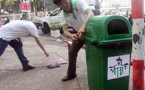 TP.HCM quá thiếu thùng rác công cộng