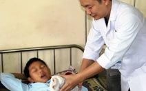 Tự chế pháo nổ, một học sinh bị mất ngón tay