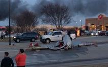 Máy bay đụng nhau bốc cháy ở Mỹ, 3 người chết